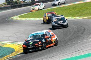 Zaiczuk vence mais duas e dispara na liderança do Campeonato Paulista de Marcas e Pilotos
