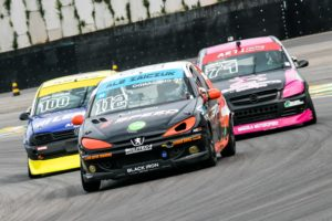 Com um segundo e um primeiro lugar, Ale Zaiczuk amplia a vantagem sobre os adversários na Liga Desportiva de Automobilismo