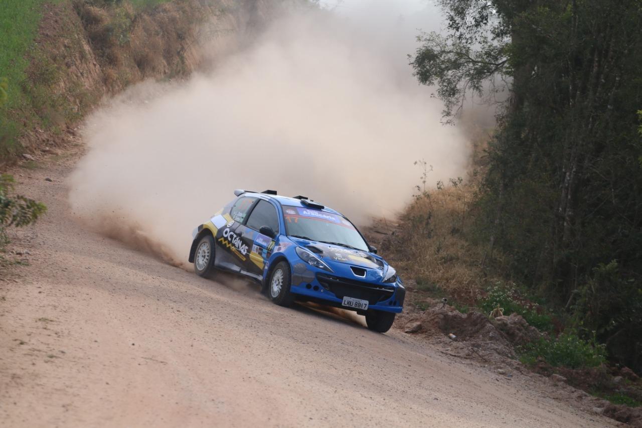 You are currently viewing Rally Araucária dá a largada do Campeonato Brasileiro de Rally